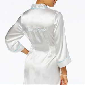 Other - 👰🏼 Satin bridal robe